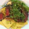 Ruccollafylld pasta med ryggbiff